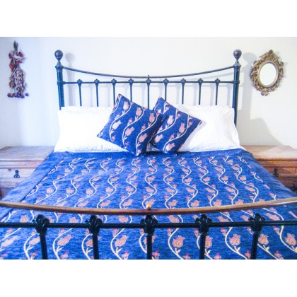 Tulip Vine Blue Throw